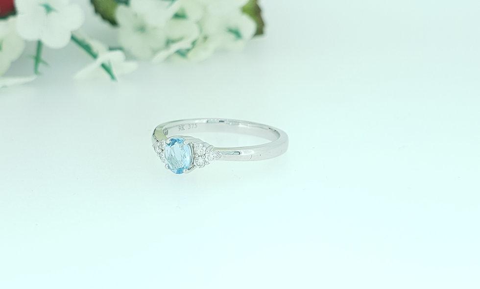 9ct White Gold Aquamarine and Diamond Ring