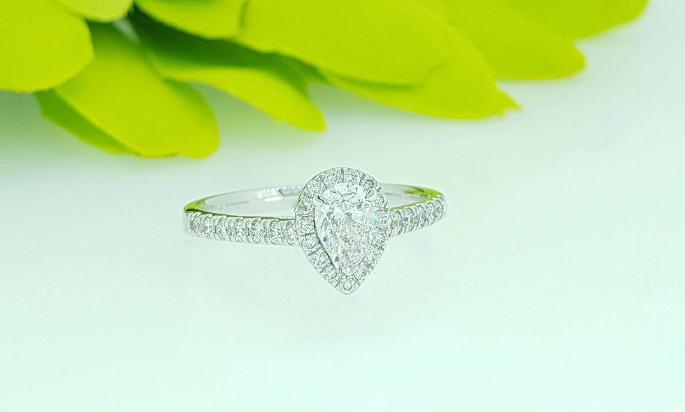 18ct White Gold and Diamond Teardrop Cluster Ring