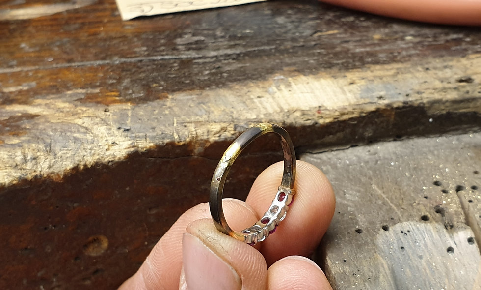 Resize an 18ct Gold Ring from 'F½' to...