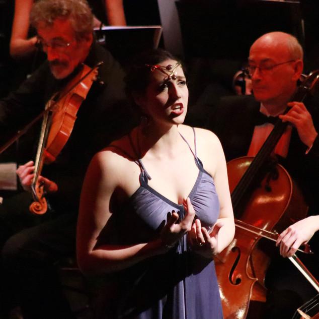 Instant Opera Star Yolanda Harding - Pho