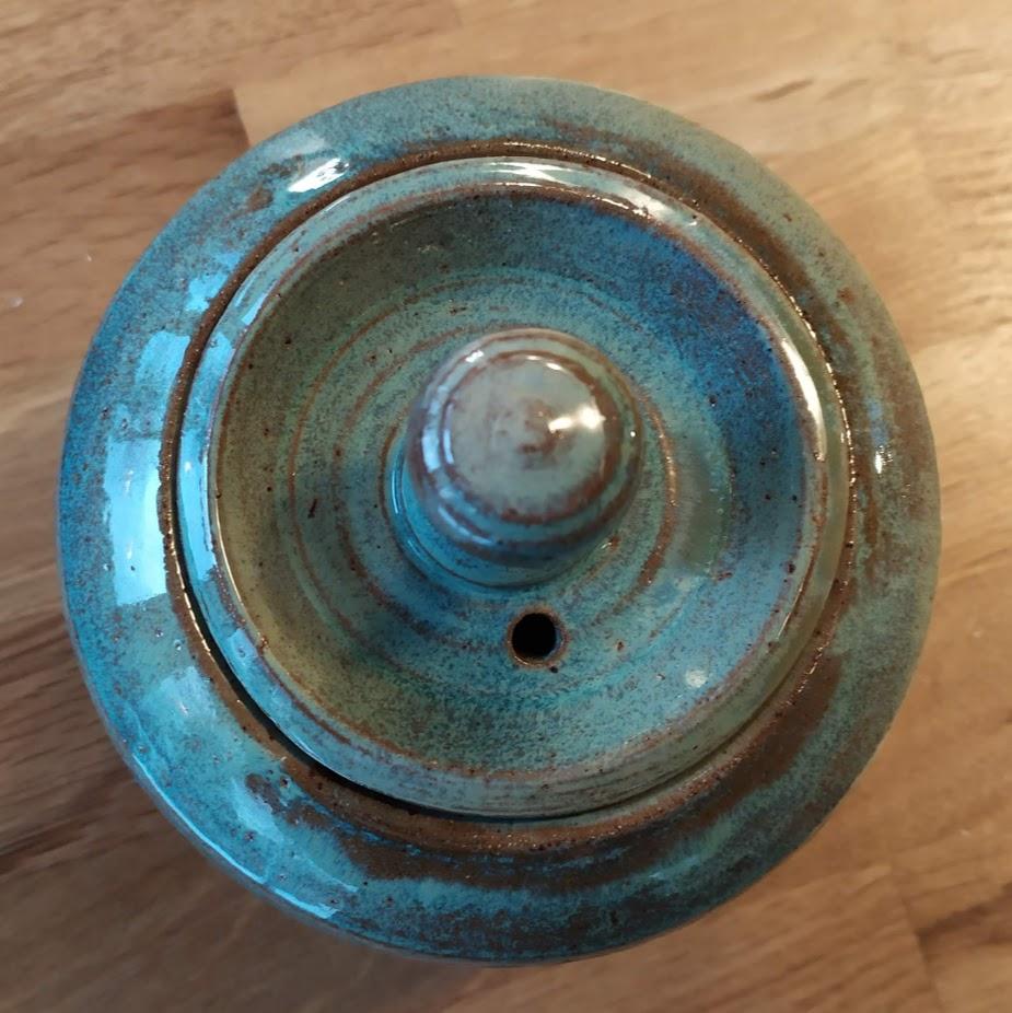 Pot avec couvercle 38 € -vue 2