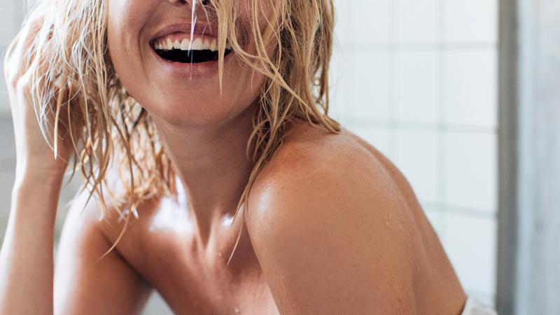 CBDCARE+ Exfoliating Body Wash 100mg Intensity