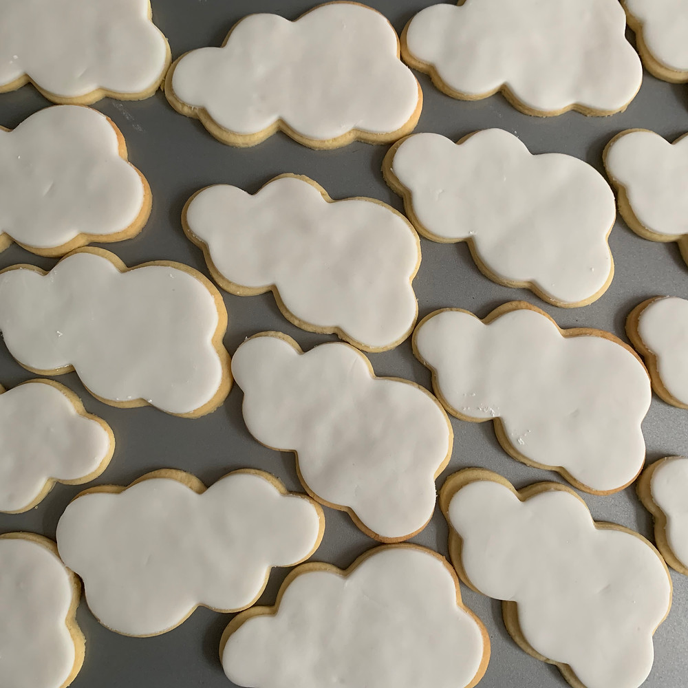 biscuits for workshops, white cloud biscuits to be coloured in