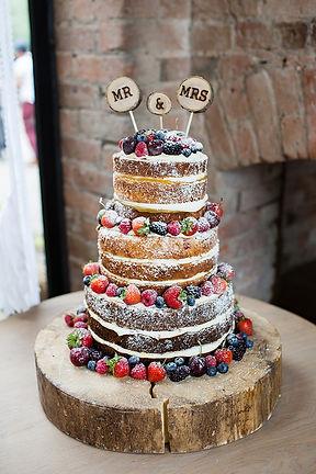 Buy a Victoria Sponge Wedding Cake For Your Cardiff Wedding
