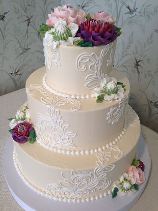 buy a classic wedding cake in cardiff