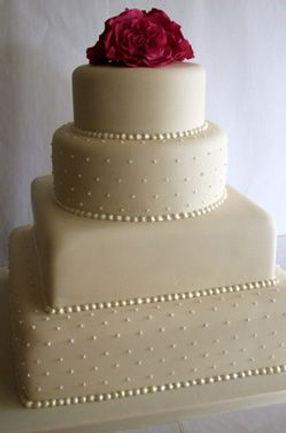 Buy a elegant wedding cakes for your weddings