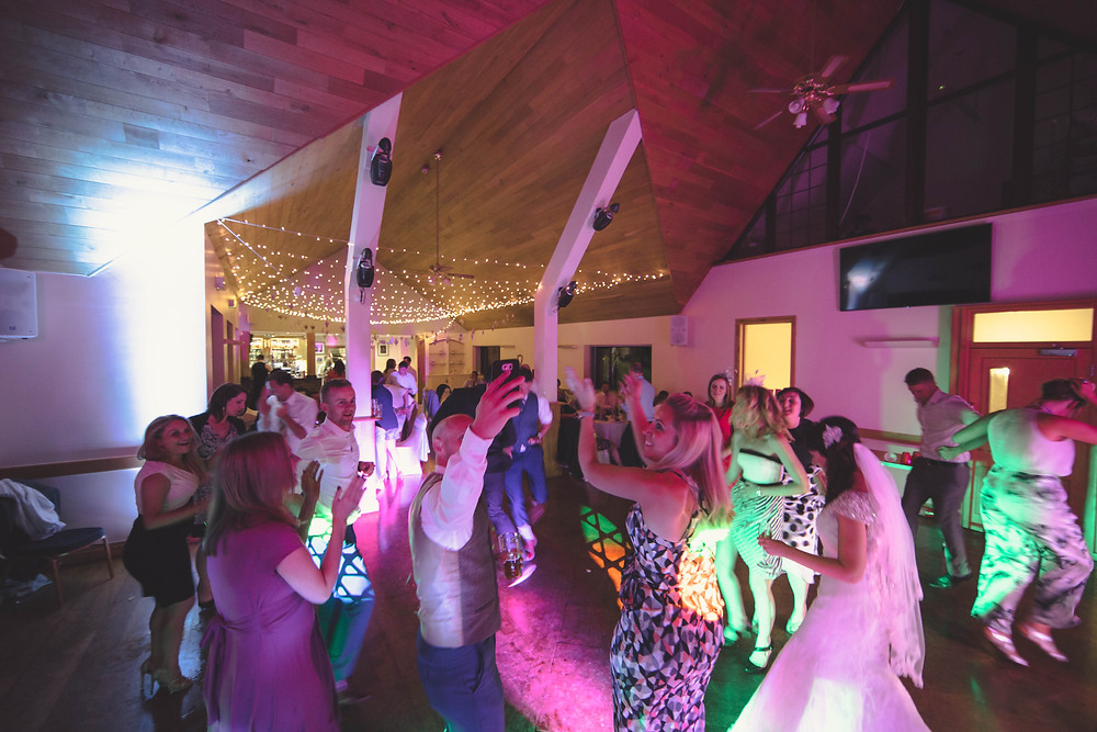 how late will a wedding dj play