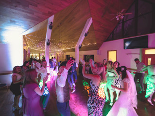 How late will a wedding DJ play?