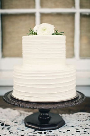 Buy A plain wedding cakes for Your Merriage