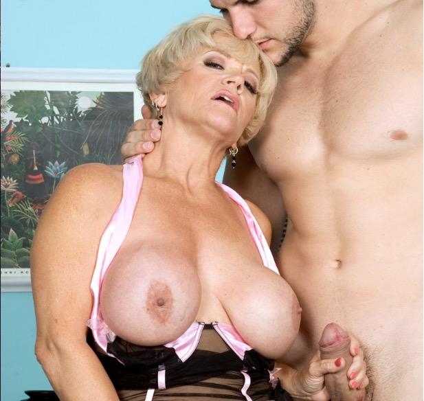 mature-granny-escort