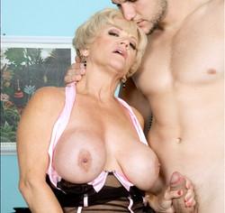 mature-granny-escort