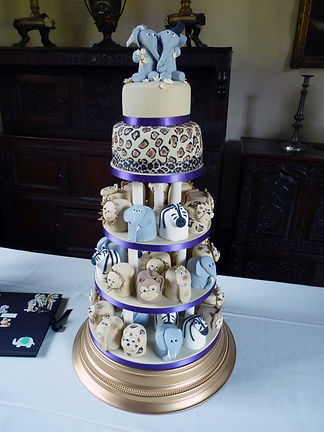 Buy a wedding cakes online Cardiff