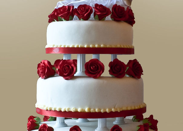 Buy a different types of wedding cakes For Cardiff Wedding