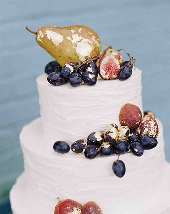 Buy a fruit wedding cake For Your Cardiff Wedding