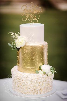 Buy a three-tier wedding cake cardiff