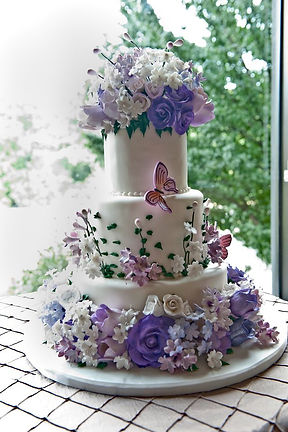 Buy-a-fancy-wedding-cakes-For-Your-Cardiff-Wedding