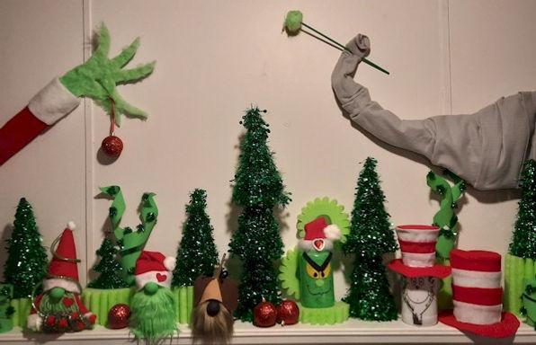 Dr Seuss Christmas Mantle