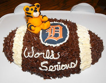 Tigers Football Cake