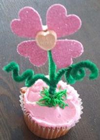 Conversation Flower Cupcake