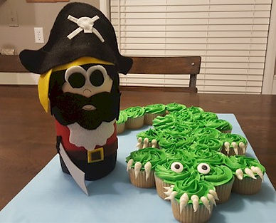 Crocodile Pull Apart Cupcakes with Pirate
