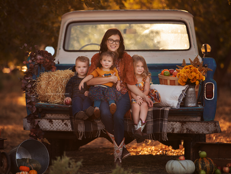 Las Vegas Family Photographer | Jo Lamsus Photography | Harvest Truck Session