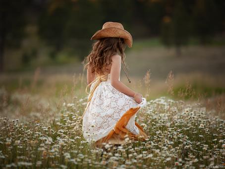 Daisies Part 1 | Kingman Arizona Children's Photographer | Jo Lamsus Photography