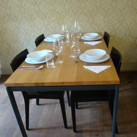 Tisch.jpg