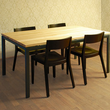 Tisch_.jpg
