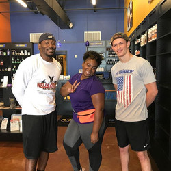 Here at _nutrishopla for #3rdAnnualBiggestLoserContest come holler at me and _biggie_145! #Fitness a