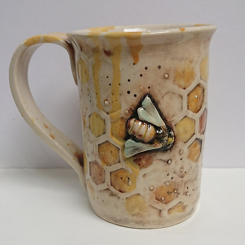 BEE MUG    (042)     (NO FLOWERS)