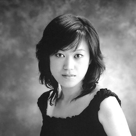 Noriko Yamamo Headshot.jpg