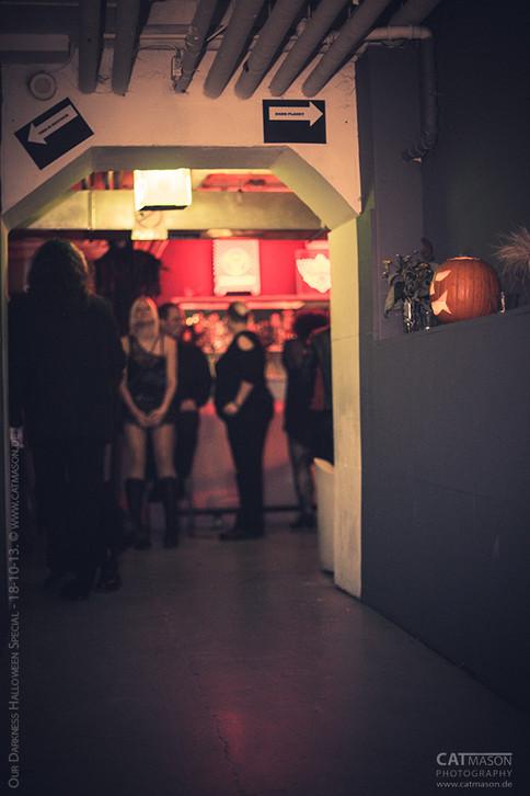 stuttgart_schwarz-our_dark_halloween-2013_10_18-party-cat_mason-0015