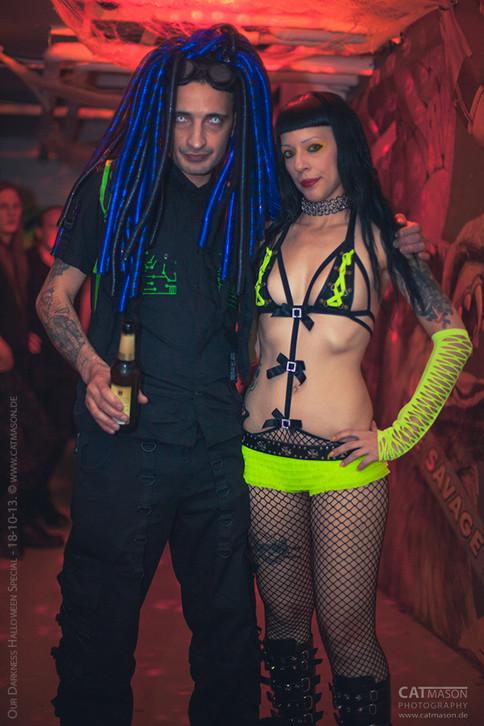 stuttgart_schwarz-our_dark_halloween-2013_10_18-party-cat_mason-0013