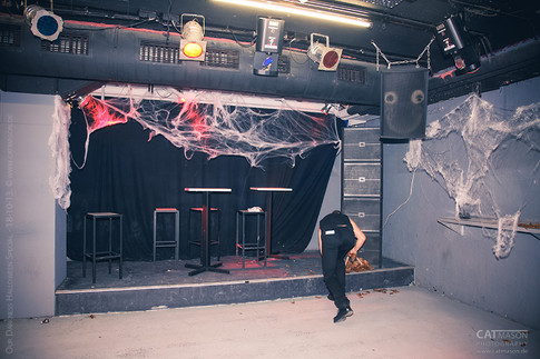 stuttgart_schwarz-our_dark_halloween-2013_10_18-aufbau-cat_mason-0006