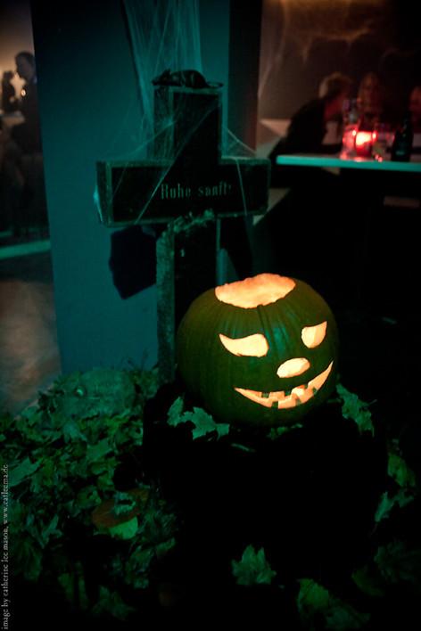 stuttgart_schwarz-our_dark_halloween-2011_10_22-cat_mason-0020