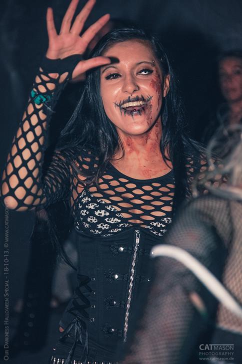 stuttgart_schwarz-our_dark_halloween-2013_10_18-party-cat_mason-0003