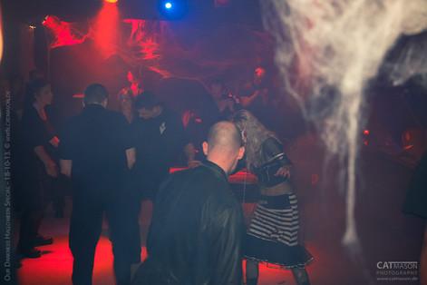 stuttgart_schwarz-our_dark_halloween-2013_10_18-party-cat_mason-0008