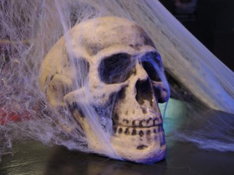stuttgart_schwarz-our_dark_halloween-2017_10_30-aufbau-sylvette-0021