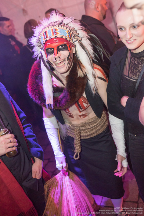 stuttgart_schwarz-our_dark_halloween-2015_10_30-cat_mason-0034