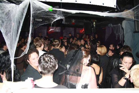 stuttgart_schwarz-our_dark_halloween-2010_10_31-clubkid-0032