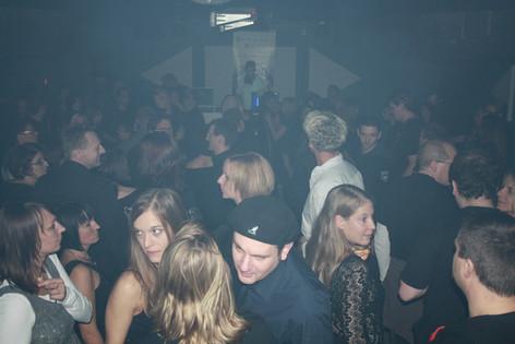 stuttgart_schwarz-our_dark_halloween-2010_10_31-clubkid-0030