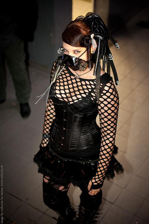 stuttgart_schwarz-our_dark_halloween-2011_10_22-cat_mason-0050