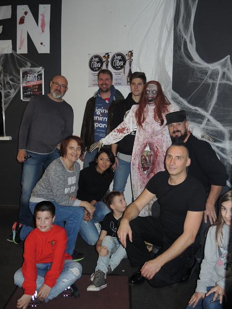 stuttgart_schwarz-our_dark_halloween-2017_10_30-aufbau-sylvette-0035