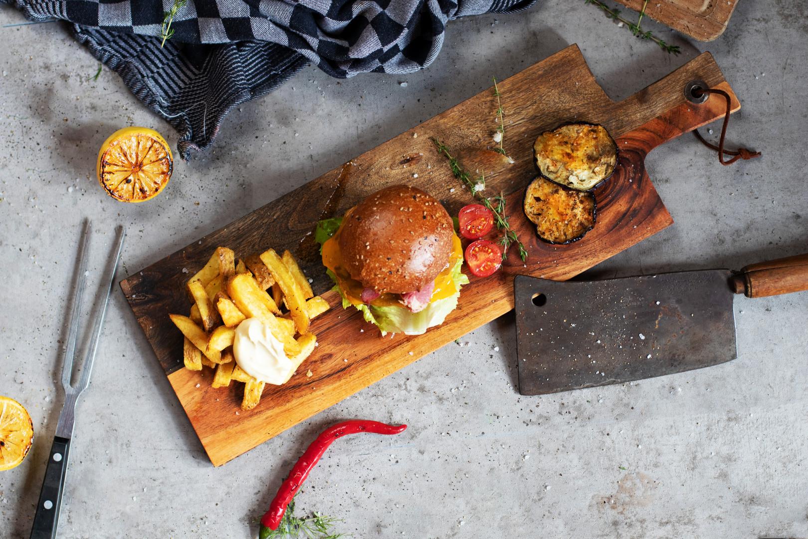 BIJU Shots - Food - Burger 4 (1).jpg