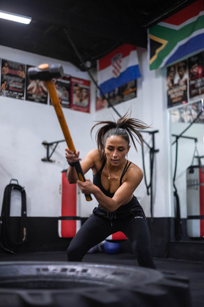 Sandstrom boxer with hammer - Identity Creators