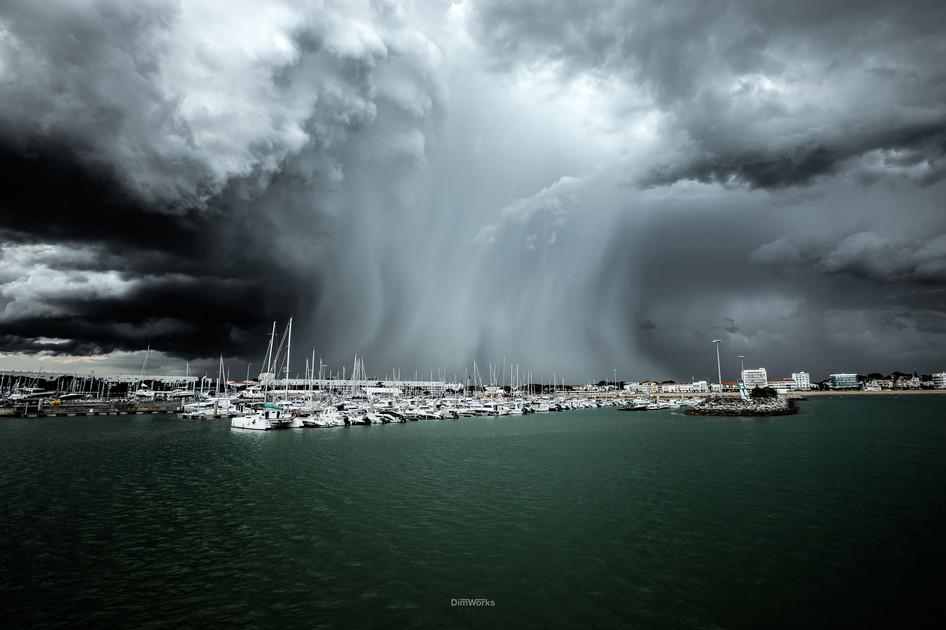 Il Pleut la bas