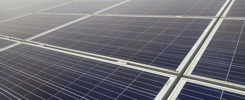photovoltaic-4022528_1920.jpg
