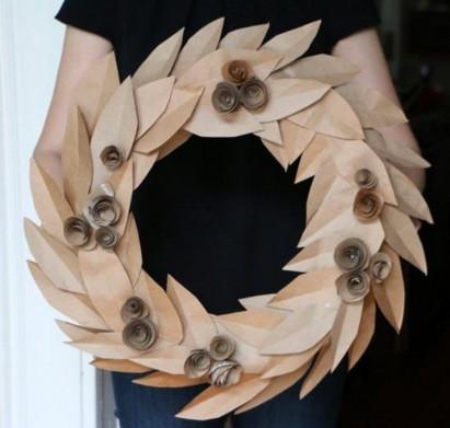 Paperbag wreath DIY Tip from Longwood Vacuum