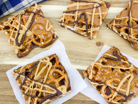 No Bake Caramel Pretzel Crack Bars!