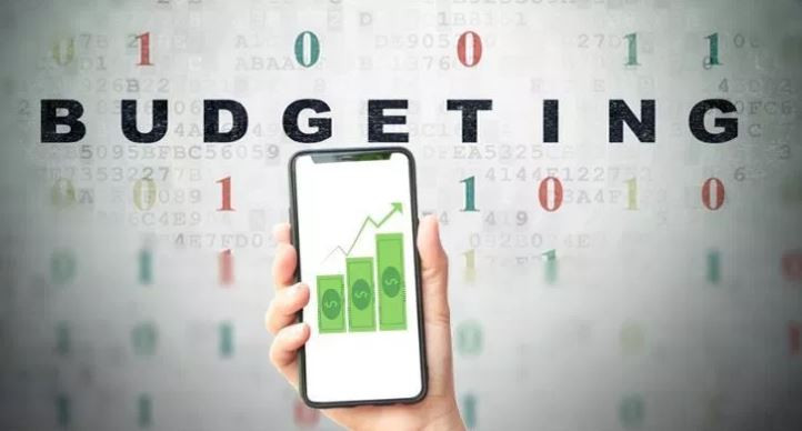 If you're trying to get out of debt, stop living paycheck-to-paycheck or save more money for retirement, choosing the right budgeting app can help you reach your goals faster.